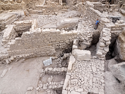Remains of the citadel and tower. Photographic credit: Assaf Peretz, courtesy of the Israel Antiquities Authority